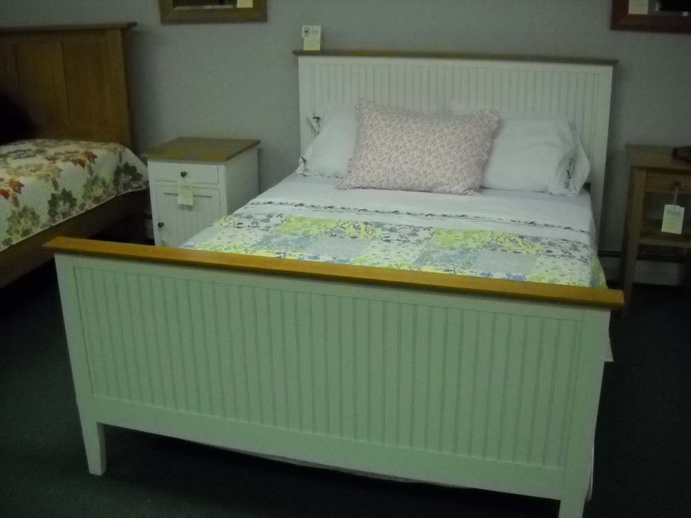 Shaker Furniture Of Maine Maine Cottage Bed In Maple Cherry Combination