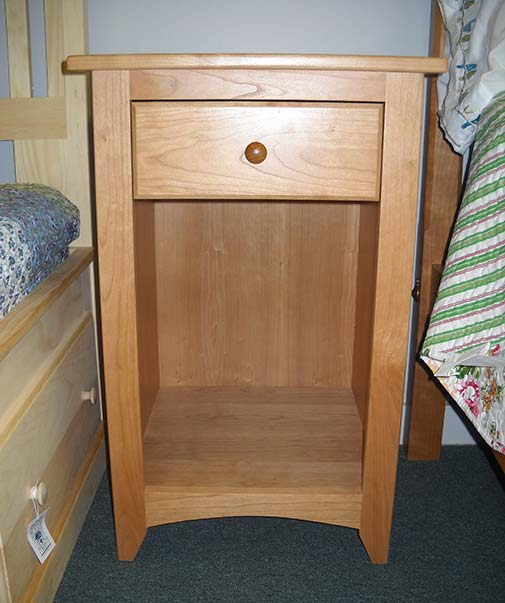 Shaker Furniture Of Maine 187 Cherry Tall Side Table