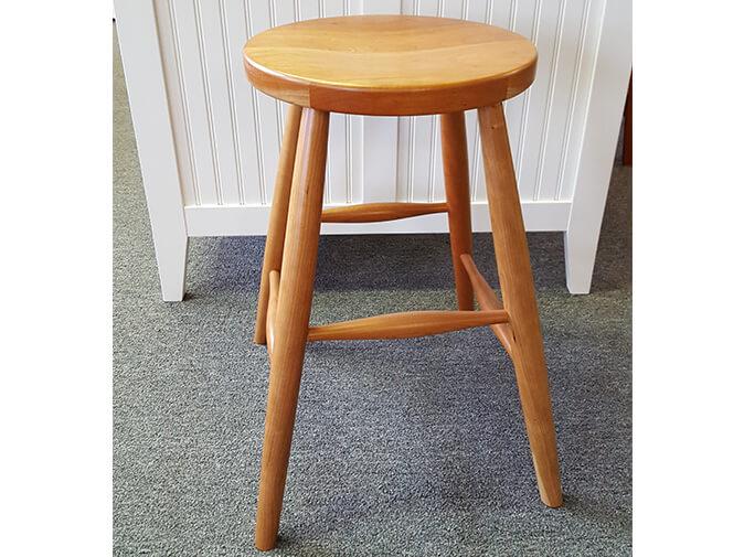 de-24-stationary-stool