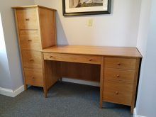 CHERRY SINGLE PEDESTAL DESK